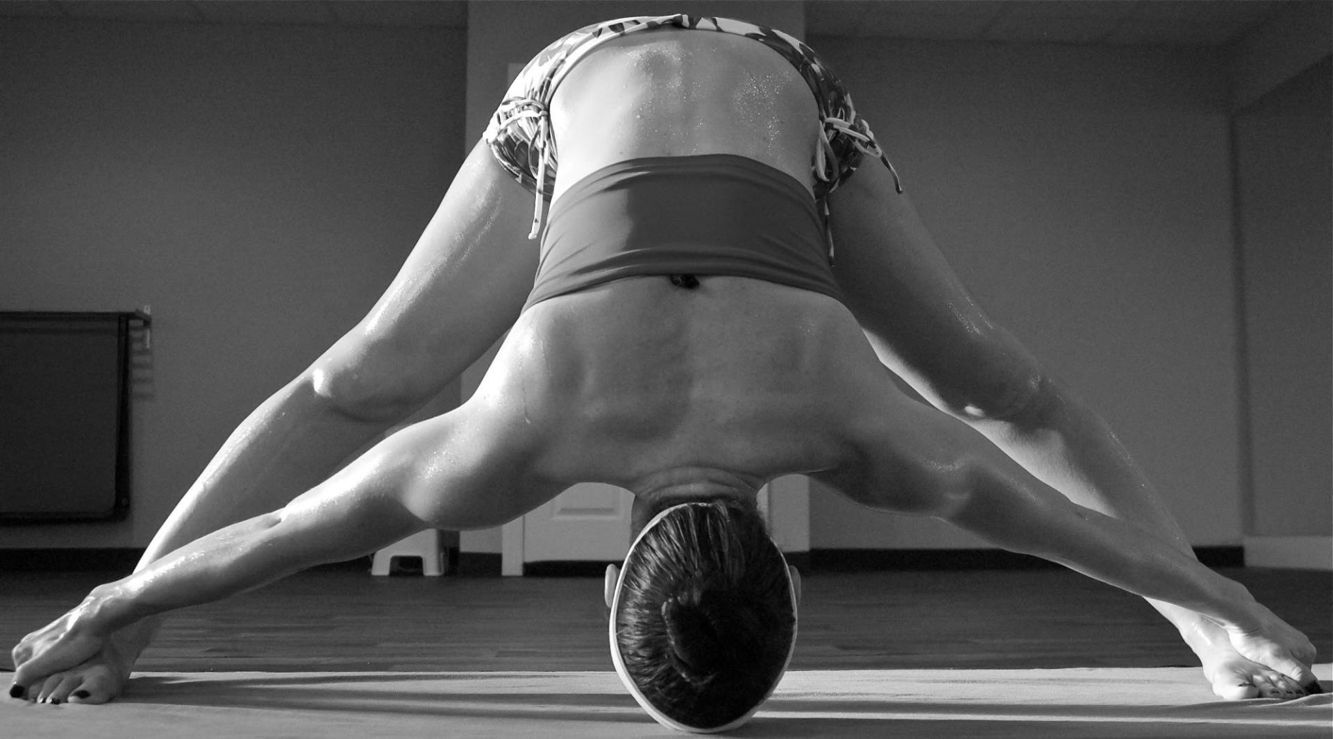 Hot Yoga 26 + 2